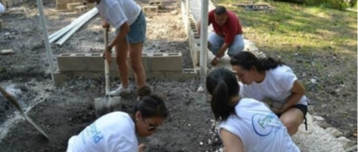 Spring breakaway in Belize - UCSD students helping to build a butterfly preserve